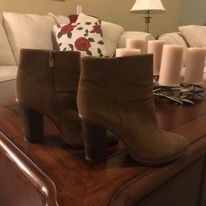 Vince Camuto Suede Boots Camel/Tan 7.5